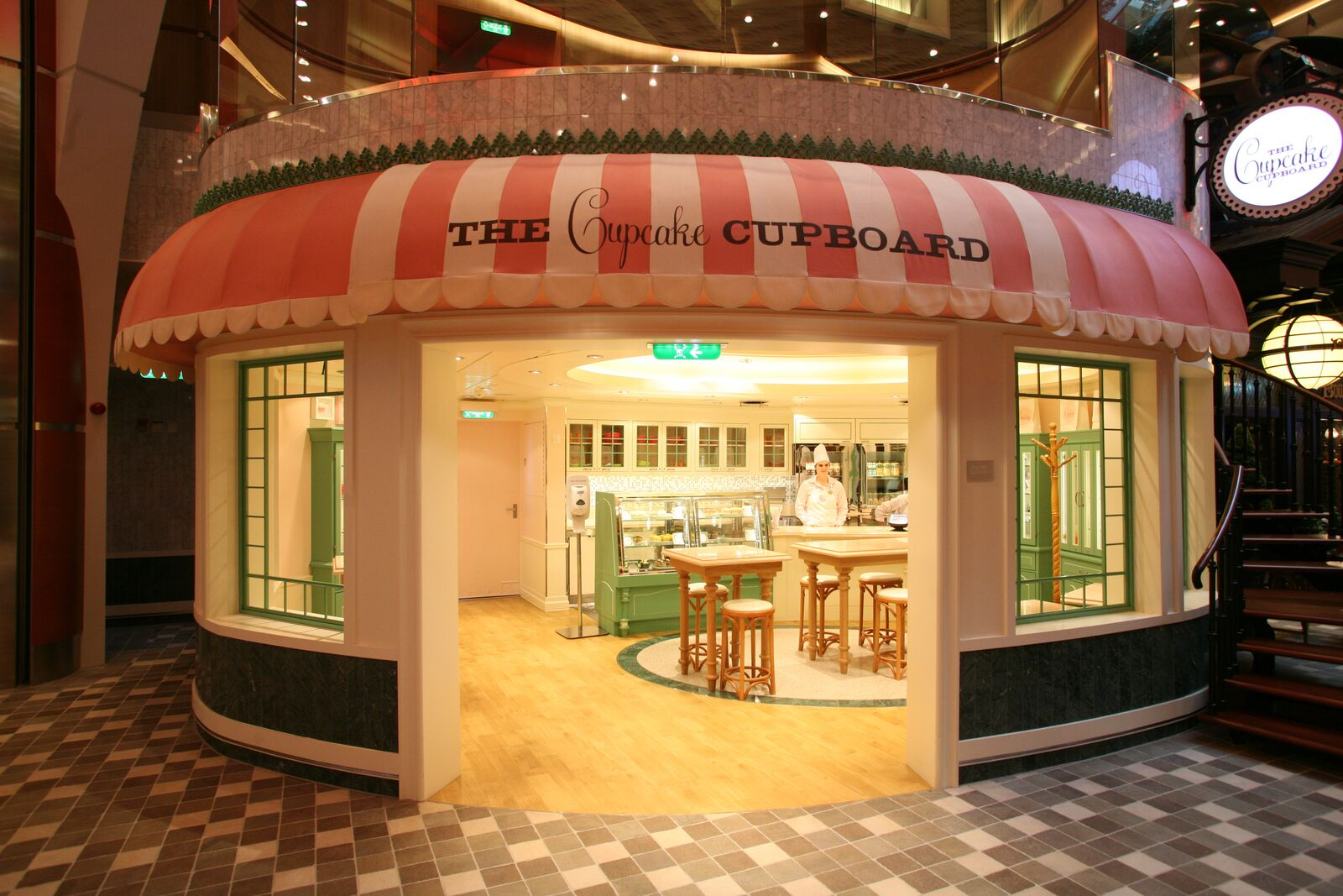 Cupcake Cupboard - Oasis of the Seas