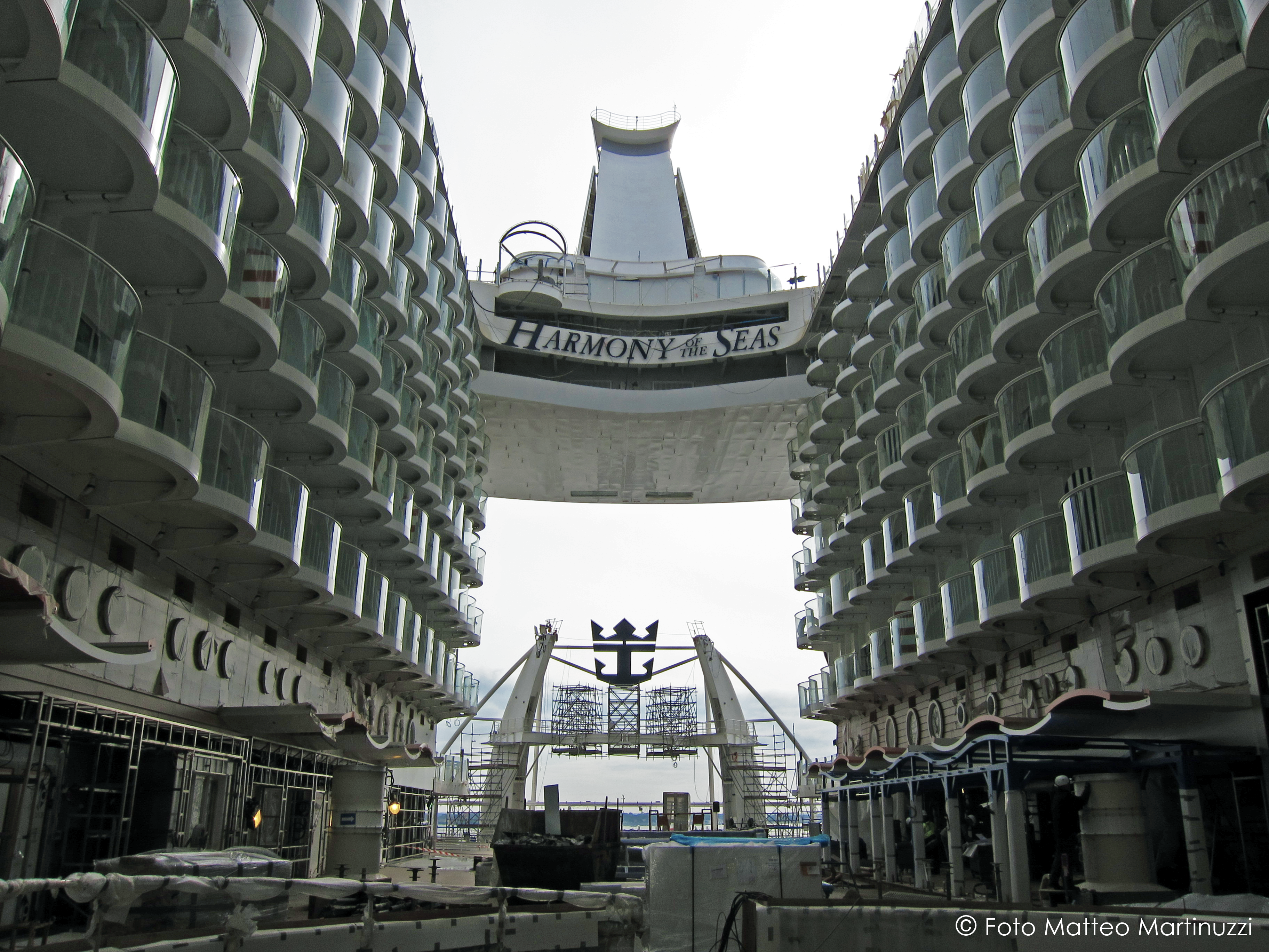 Harmony of the Seas in cantiere by Matteo Martinuzzi